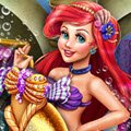 Ariel's Closet Games : Collecting things from above the sea is Ariel's favorite pas ...