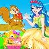 Princess Sarah Games : Sarah is a beautiful princess and she came from a big castle to give apples to s ...